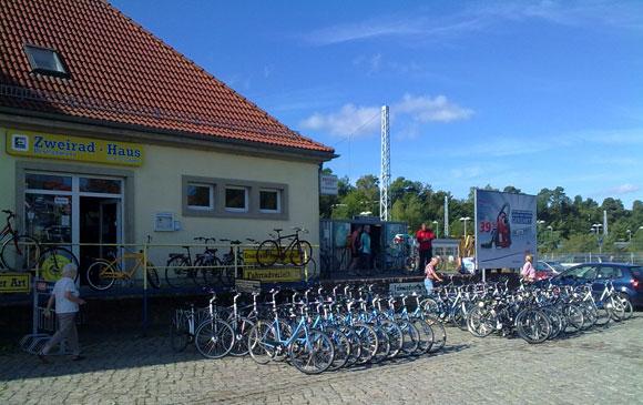 am Bahnhof Binz